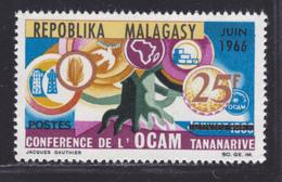 MADAGASCAR N°  424 ** MNH Neuf Sans Charnière, TB  (D3348) Conférence De L'OCAM - Madagascar (1960-...)