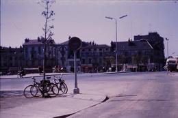 Photo Diapo Diapositive Slide Beau SOLEX Place Du Canal à Chalon Sur Saône En 1959 VOIR ZOOM - Dias