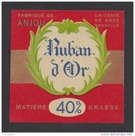Etiquette De Fromage Carré  -   Ruban D'Or   -  40 %  -  Laiterie De Grez Neuville  (49) - Fromage