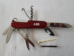 Couteau Suisse Victorinox Officier Suisse - Knives/Swords