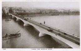 London - New Waterloo Bridge  (002655) - London