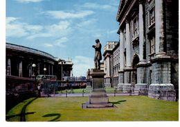 ^ Dublin - Trinity Collège - Main Entrance With Statues Of Goldsmith - Dublin