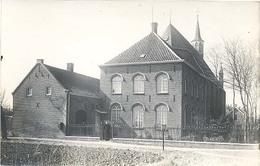 Hurwenen, Zonder Titel (afgebeeld Is De RK Kerk, Pastoor Poseert Aan Het Hek)(originele Fotokaart / 2 X Scan)(Maasdriel) - Non Classificati