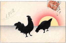 SILHOUETTE : OMBRE CHINOISE De COQ Et POULE Qui PICORE Au COUCHER De SOLEIL  De L'an 1911 - Exp 31/12/1911 - Silhouettes