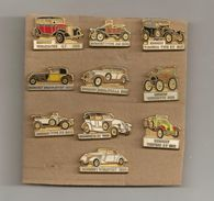 LOT 10 BEAU PIN'S ANCIENS VEHICULES CEF - Renault