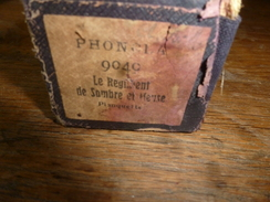 Rouleau Ancien Pour Piano Mécanique PHONOLA 9040 Le Régiment De Sambre Et Meuse, Planquette (avec Timbre) - Objets Dérivés