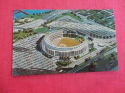 Shea Stadium Queens NY  NY Mets   Football & Baseball   -ref 2772 - Cartes Postales
