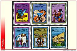 Rwanda 0672/77**  Universite National   MNH - Rwanda