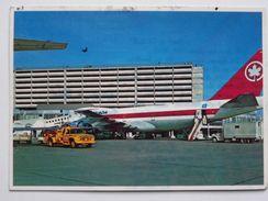 Toronto   Flughafen /  Airport / Aéroport 1983 Year / Car - Aérodromes