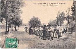 89. AUXERRE. 4e Régiment De Ligne. Formez Les Faisceaux. 212 - Auxerre