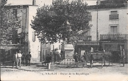 VALROS - Statue De La République. - France