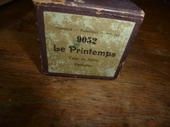 Rouleau Ancien Perforé Pour Piano Mécanique 9052 LE PRINTEMPS  (Valse De Salon)  Carrefio - Objets Dérivés
