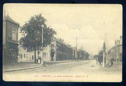 Cpa Du 80 Amiens La Route D' Abbeville  GX47 - Amiens