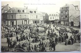 MARCHÉ AUX GRAINS - PLACE DE LA RÉPUBLIQUE - BERNAY - Bernay