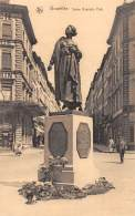 BRUXELLES - Statue Gabrielle Petit - Monuments