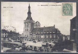 Carte Postale 59. Bailleul Jour De Marché Et L'hotel De Ville Trés Beau Plan - Other Municipalities