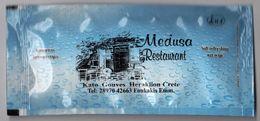 Greece 2016 Soft Refreshing Wet Wipe Medusa Restaurant Heraklion Crete - Serviettes Publicitaires
