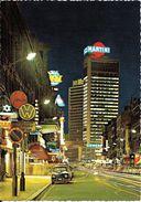 BRUXELLES (1000) : Vue Nocturne Du Boulevard Adolphe Max, Avec La Tour Martini En Perspective. CPSM. - Bruxelles La Nuit