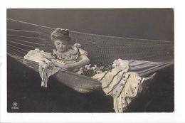 18827 -  Femme Dans Hamac Robe Avec Brillants 1909 - Femmes