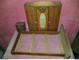 Jouet Meuble Miniature Chambre De Poupee Style 1945-50 Armoire Lit Chevet En Bois - Autres Collections