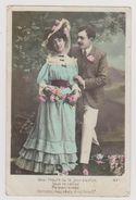 """Couple, Femme En Bleu, Fleurs """"Voici L'heure Où Le Jour S'enfuit. Sous La Ramée Ma Bien-aimée Berçons Nos Rêves..."""" - Couples"""