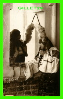 BUCARESTI, ROUMANIE - VEDERI DIN ROMANIA, PORT NATIONAL ROMAN - LADYS  - EDITURA SOCEC & CO - - Roumanie