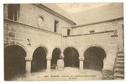 29-8- Roscoff - Intérieur De La Maison De Marie Stuart - Le Cloître - Roscoff