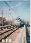 Train , Chemin De  Fer :  Paris  RER - Treni