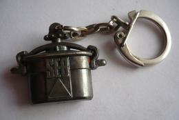 Porte Clefs COCOTTE MINUTE SEB - Key-rings