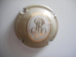 CAPSULE Champagne ROEDERER (lettres Dorées Sur Beige Clair) - Roederer, Louis
