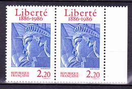 N° 2421 Centenaire De L'Erection De La Statue De La Liberté à New : Une Paire De 2 Timbres Neuf Impeccable - France
