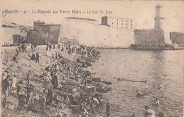 Cp , 13 , MARSEILLE , La Baignade Aux Pierres Plates , Le Fort Saint-Jean - Marseilles