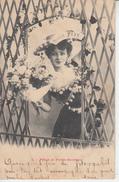 Fêtes Et Porte Bonheur - Femme Avec Bouquet De Fleurs  PRIX FIXE - Bergeret