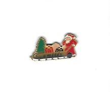 Pin's  Banque, Assurances  Comités  A G F  Avec  Le  Père  Noel  Sur  Un  Chariot - Banks