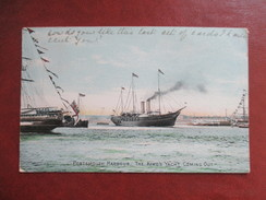 CPA ROYAUME UNI ANGLETERRE PORTSMOUTH HARBOUR THE KINGS YACHT COMING OUT - Portsmouth