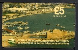 CHYPRE CYPRUSI, Bateau, Port, Telecard £5 / Telephone Card /  Utilisée / Used. Rgilport - Chypre