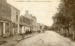 Saint Florent Des Bois La Poste Et La Grande Route - Saint Florent Des Bois