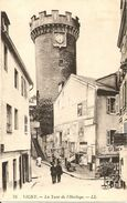 03. CPA. Allier. Vichy. La Tour De L'Horloge (animée) - Vichy