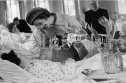 Postcard / ROYALTY / Belgique / Reine Fabiola / Koningin Fabiola / Clinique Saint-Elisabeth / 1963 - Santé, Hôpitaux