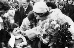 Postcard / ROYALTY / België / Belgique / Reine Fabiola / Koningin Fabiola / Sint-Amands / 1966 / Graf Emile Verhaeren - Sint-Amands
