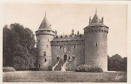 Cp , 35 , COMBOURG , Château Où Le Célèbre écrivain Chateaubriand Passa Une Partie De Son Enfance - Combourg