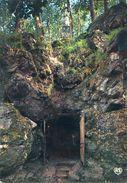 Mervent Pierre Brune Grotte Du Pere De Montfort Circulee En 1970 - Frankreich
