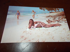 B671  Barbados Ragazza In Spiaggia Cm14x9 Viaggiata - Cartoline