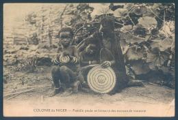 Niger Famille Peule Travaux De Vannerie - Niger
