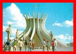 CPSM/gf  BRASILIA (Bresil).  La Cathédral, Animé.  .A861 - Brasilia