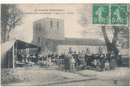 CHAMPAGNE LES MARAIS - L'Eglise Et Le Marché - Léger Pli Coin Sup. Gauche - Other Municipalities