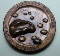 Judaica - Auschwitz 1945-2005 -  Toscana - Inst. D Arte Petrocchi - Pistola - Professionnels/De Société