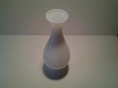 VASE EN OPALINE BLANCHE 28 X 9.5 CM 510 GR - Glass & Crystal