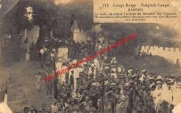 Basoko - La Foule Attendant L'arrivée Du Ministre Des Colonies - 1923 - Belgisch-Kongo - Sonstige