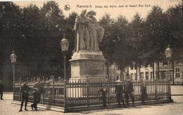BELGIQUE - LIMBOURG - MAASEIK - MAESEYCK - Statue Des Frères Jean Et Hubert Van Eyck. - Maaseik